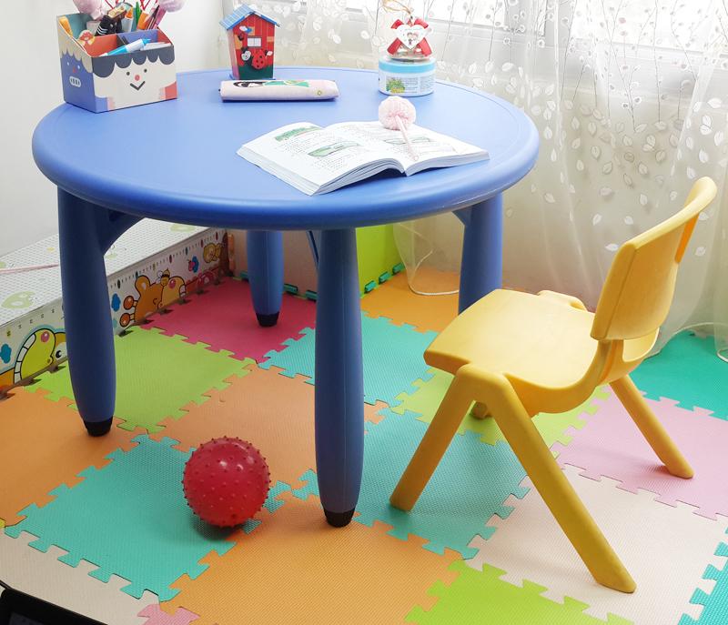 1212淘宝加厚儿童塑料桌椅 宝宝餐桌椅 饭桌 幼儿园学习书桌 童桌