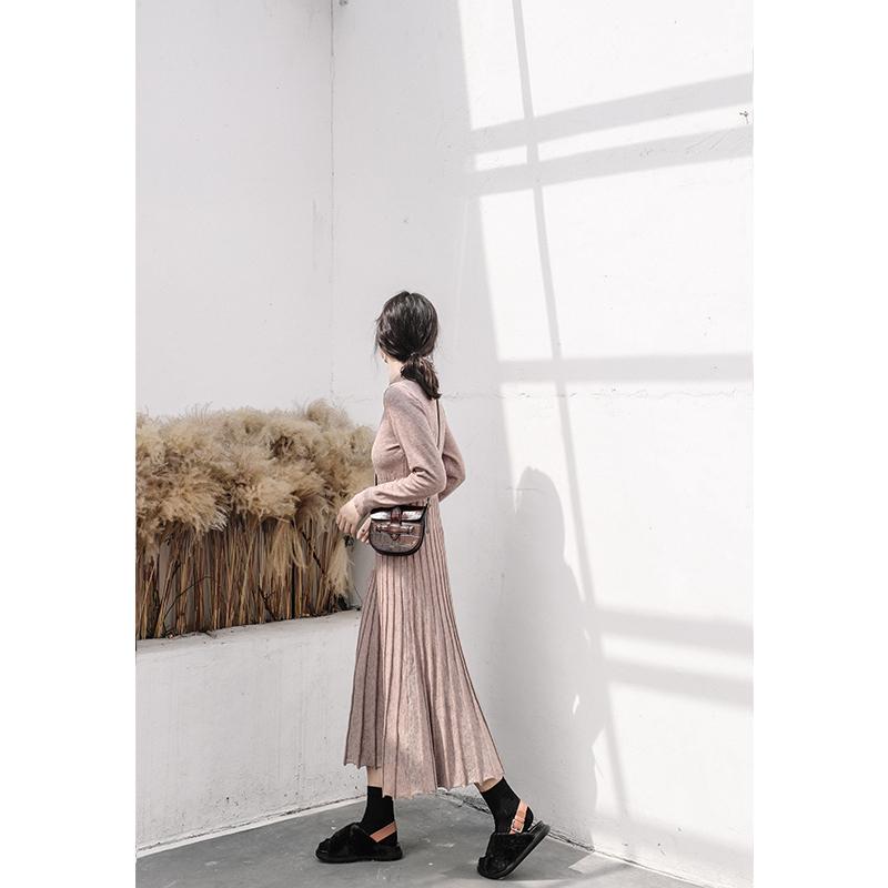 法式复古针织连衣裙女秋冬法国小众收腰配大衣的长裙子打底桔梗裙