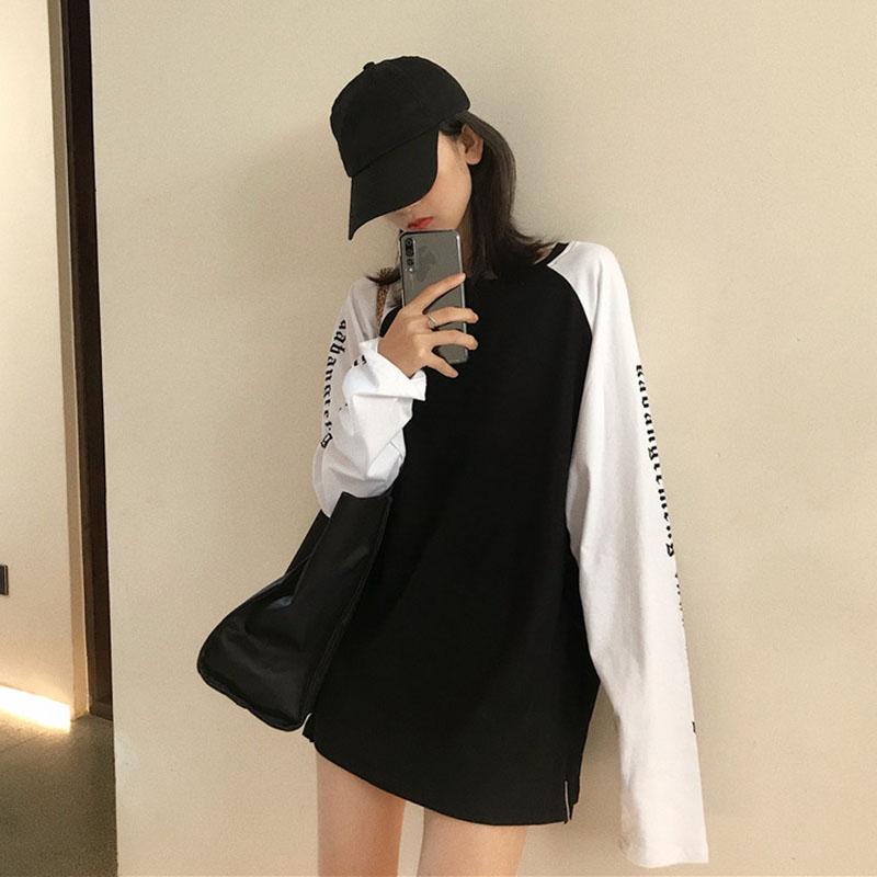 时尚简约黑白拼接哥特式梵文长袖T恤宽松2019新款韩版男女情侣装