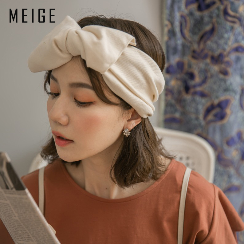 Korean version of East Gate ins net red wide edge knitted cotton hair band temperament Bow Headband autumn winter wash hair band