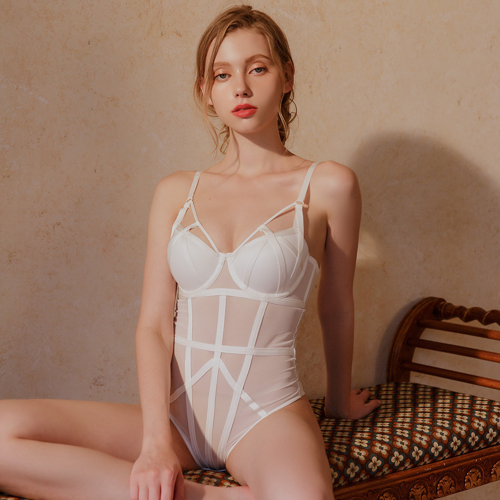 2021 European and American new sexy lace bra, tight gathering micro shaping jumpsuit, French slim Jumpsuit
