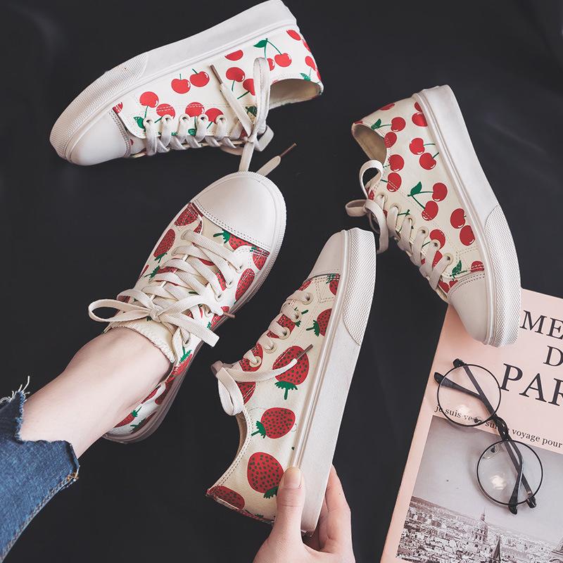 帆布鞋女小草莓图案2019春夏新款日系韩版印花网红学生超火板鞋潮