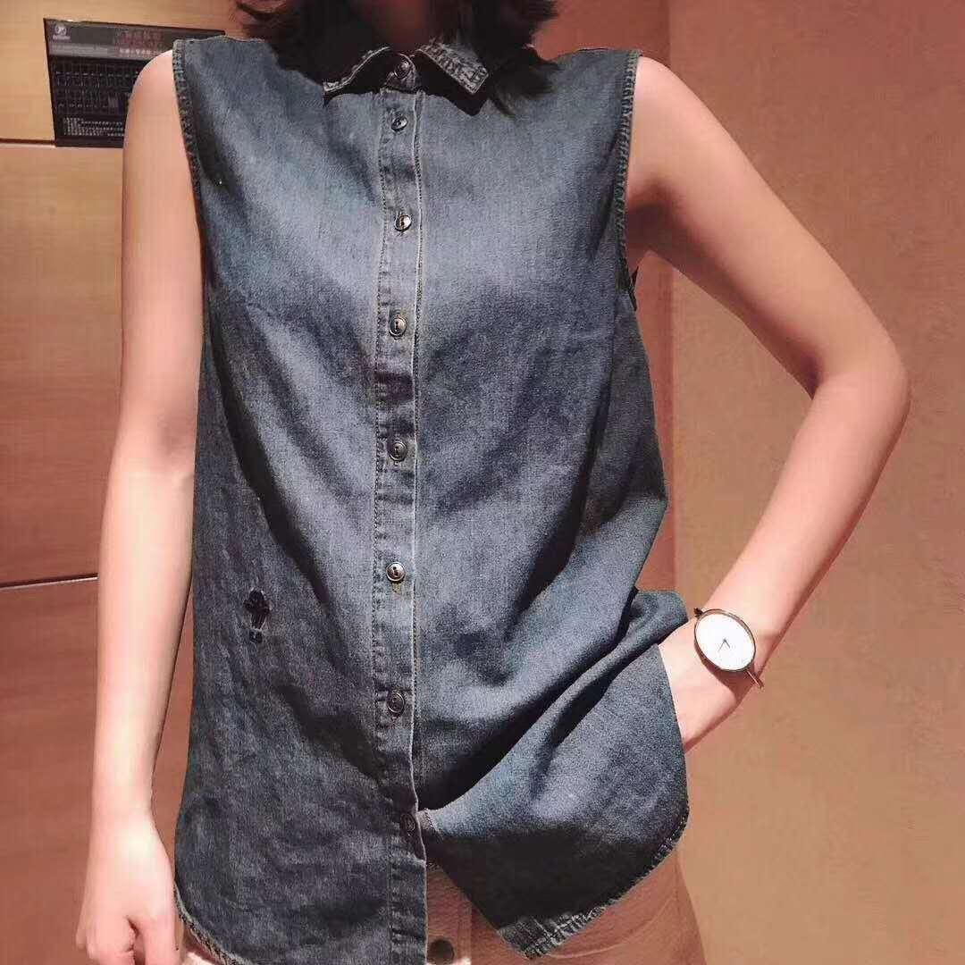 Denim shirt European womens station autumn and winter 2021 new Lapel with sleeve less sweater, sweater and sweater, wearing versatile bottomed vest
