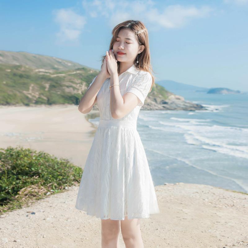 2021夏季新款女装气质修身显瘦短袖白色蕾丝衬衫领A字连衣裙裙子