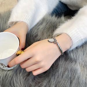 韩京欧美时尚气质百搭手链女经典流行首饰日韩国钛钢手环饰品