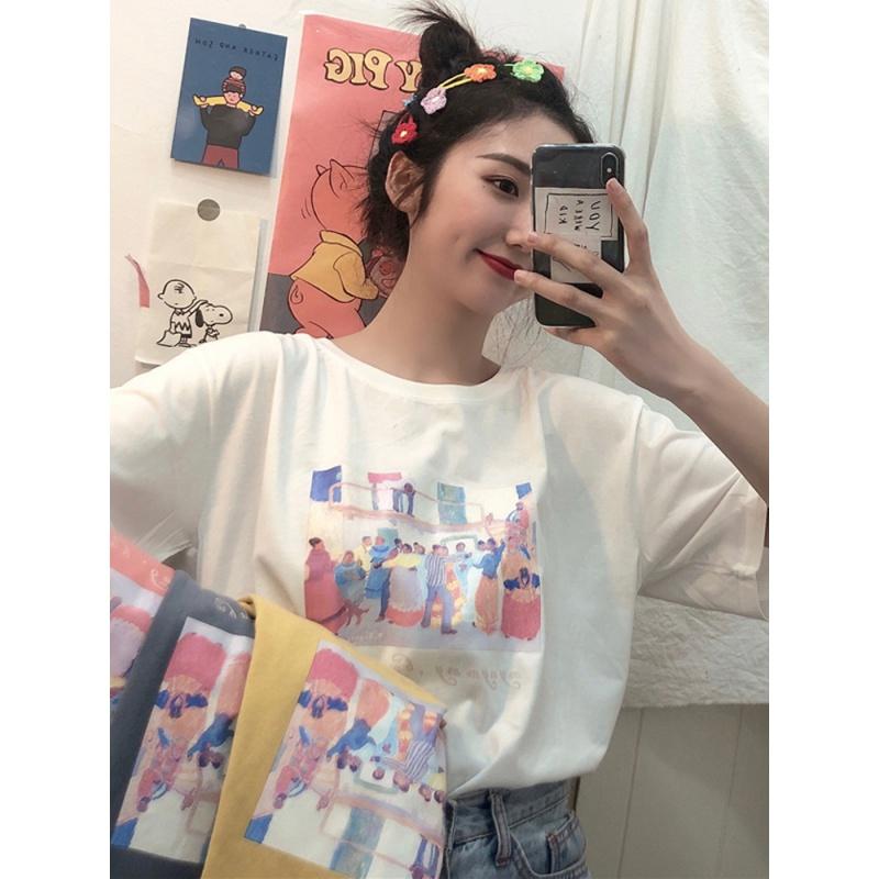 2020年夏の韓国版香港風のゆったりとした白の半袖Tシャツ、ボトムシャツ、女装のトップスがたっぷりです。