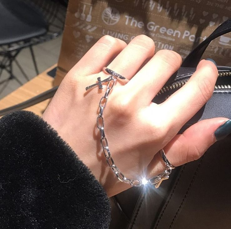 Adjustable ring chain fashion personality Festival knuckle ring mens and womens Gothic fashion matching suit hip hop assembly accessories
