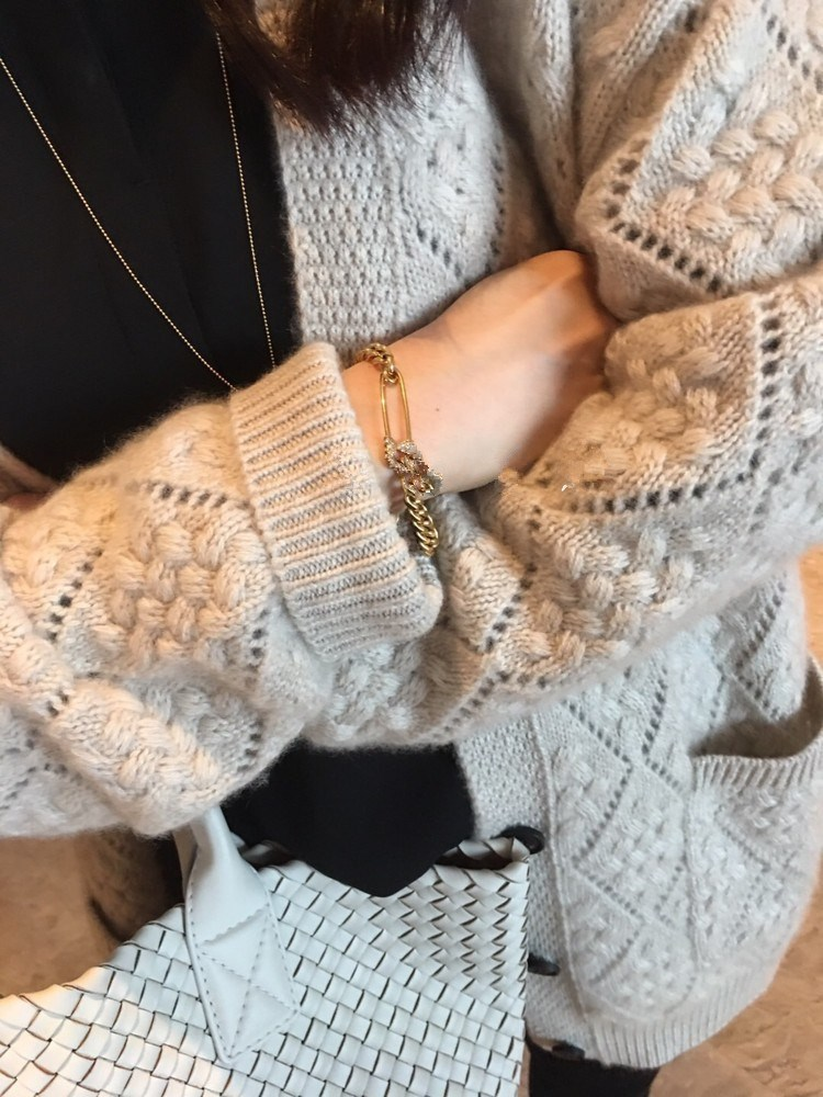 Mid length cashmere cardigan womens loose and lazy wind thickened sweater coat large size knitted sweater in autumn and winter of 2019