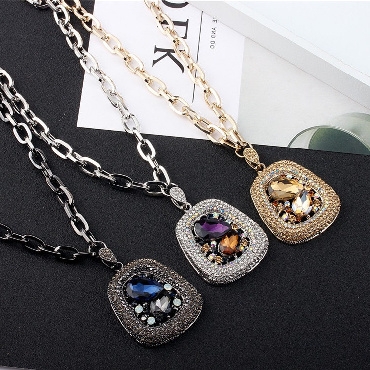 Japan buys DD Japanese and Korean version exaggerated temperament collarbone chain color Diamond Gemstone Pendant short necklace clothing accessories jewelry