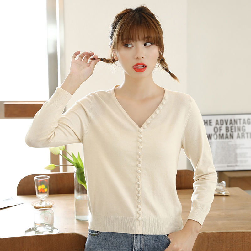 Jiyi T-shirt womens gentle style solid color slim V-neck Pullover early autumn thin Beige casual sweater