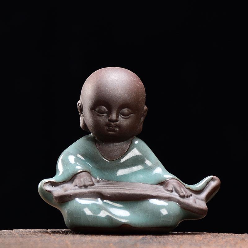 Вы проводите домашнее животное настольные мини-украшения Zen керамические творческие чайные печи для мелких животных monk micro landscape decorations