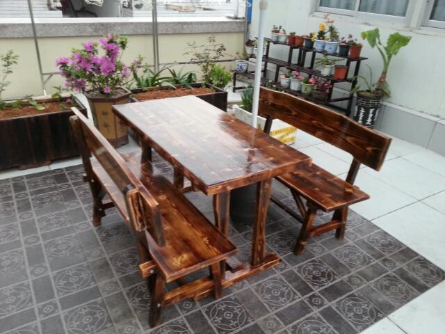 实木火烧木桌椅户外仿古饭店餐馆桌子酒吧咖啡店休闲原木桌椅组合
