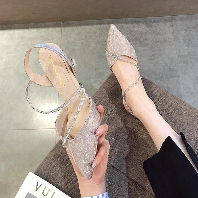 法式小高跟鞋女2020年新款时尚细跟尖头水钻包头罗马女鞋夏季凉鞋图片