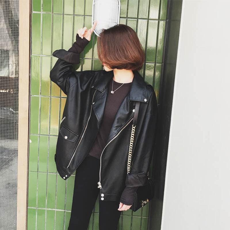 Autumn and winter new leather leather clothes women's locomotive coat leather BF jacket Korean Short loose size spring and Autumn