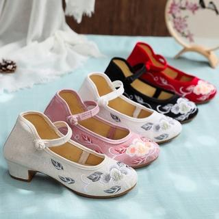 老北京布鞋女民族风中汉服绣花鞋复古搭配旗袍鞋子百搭高跟女单鞋