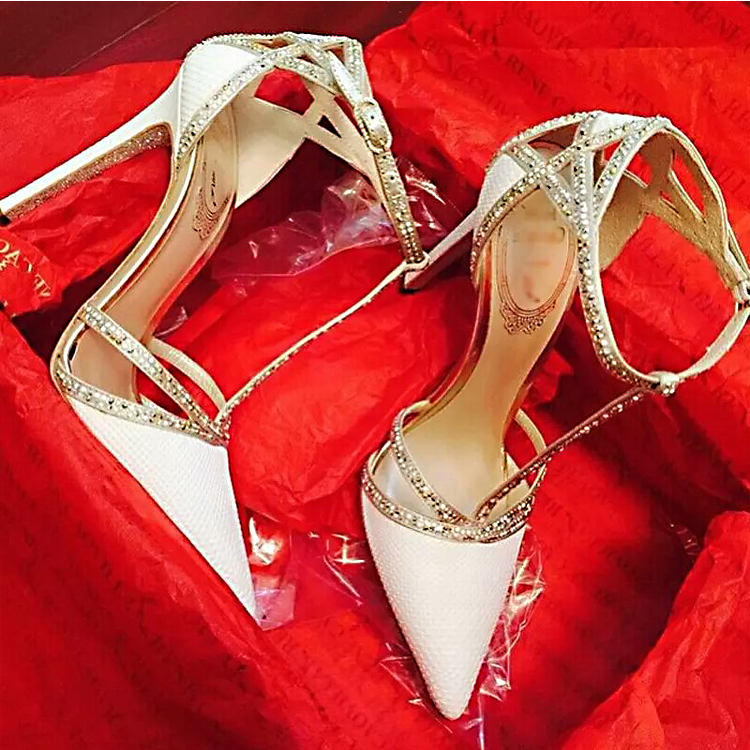 White high-heeled shoes womens 2021 new summer thin heeled sandals, versatile foreign style Rhinestone T-shaped bridal wedding shoes