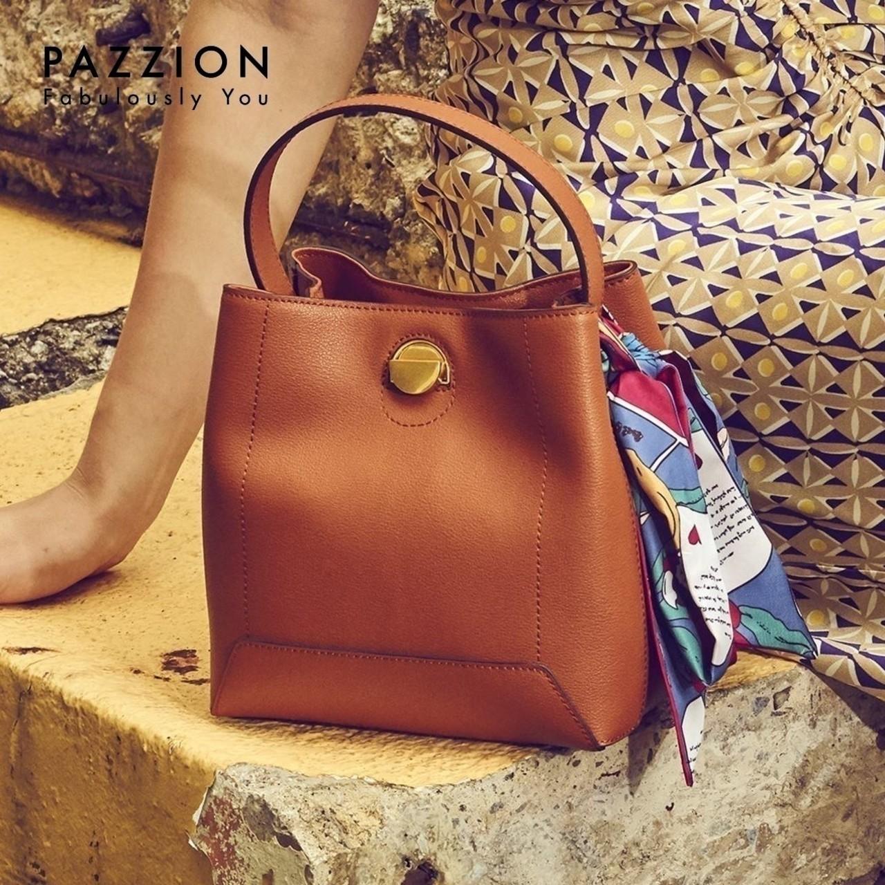 PAZZION2019新款欧美时尚印花挂巾单根手提包 拉链袋磁扣水桶包