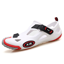 Dongdong shoes men 2020 new personalized youth sandals outdoor junior high school students Baotou large size beach shoes summer