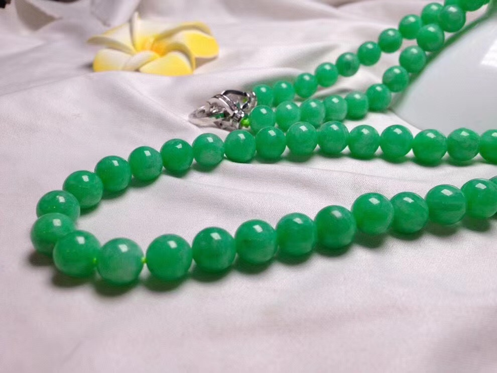 Guangzhou emerald source jewelry full of Emerald Round Beads Necklace mens big beads string hot green good package with certificate
