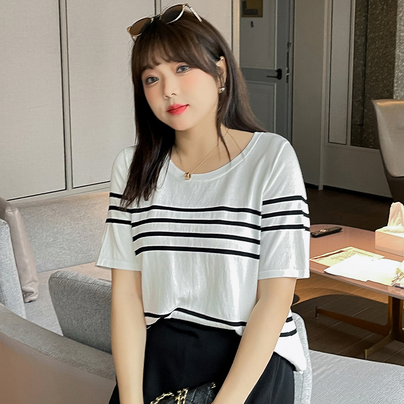 Large black and white stripe T-shirt round neck loose fat mm sister cover meat female top pregnant woman temperament casual womens wear