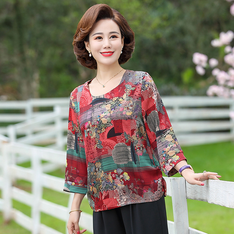 Middle aged and elderly womens half sleeve summer shirt loose foreign style aging skin friendly and breathable floral mothers T-shirt and jacket