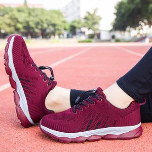 妈妈鞋单鞋软底女舒适防滑平底2018新款秋季中老年运动健步老人鞋