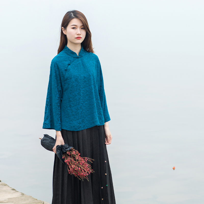 Qingmu 2019 homemade new jacquard copper ammonia light Chinese top loose hand button horn sleeve