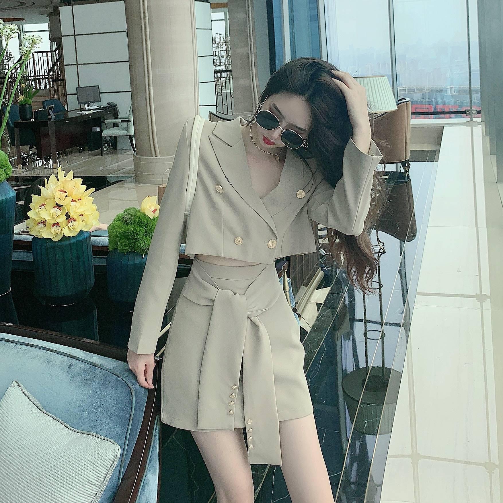 Real shot Khaki jacket short sleeve Korean womens slim temperament high end short skirt fashion trend LAPEL SUIT