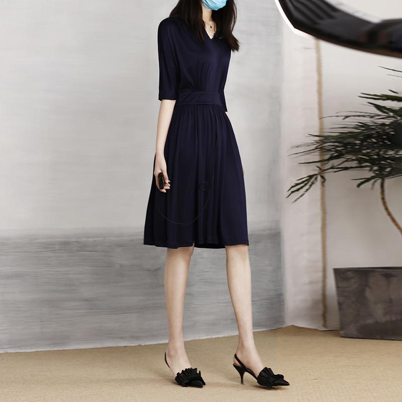 ^@^戎美【QZ0520267】CHAO越丝针织 一眼沦陷的优雅 三醋酸连衣裙图片