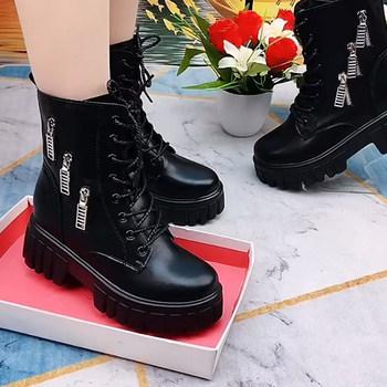2021年秋冬季新款厚底圆头马丁靴