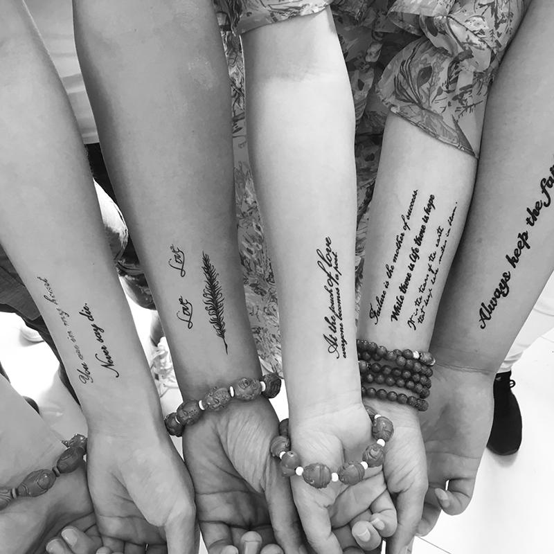 个性纹身贴持久仿真情侣黑色英文字母贴纸男女防水3d立体刺青半臂限2000张券