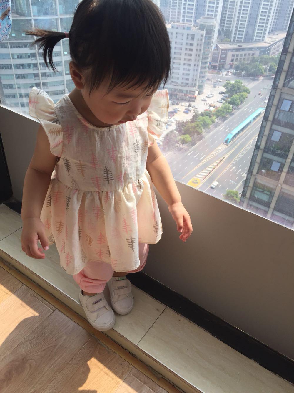 2018夏款新品女童爱心镂空白色粉色限时抢购
