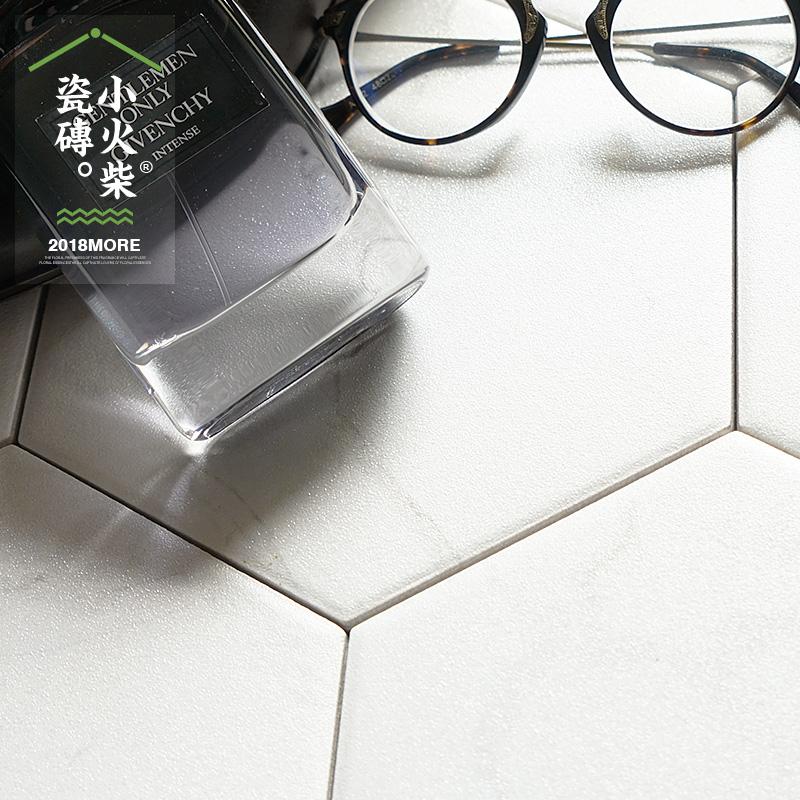 Небольшой пожар дрова chic белый белый джаз камень шестиугольник кирпич кухня застекленный кирпич гранула керамическая плитка фон стена кирпич