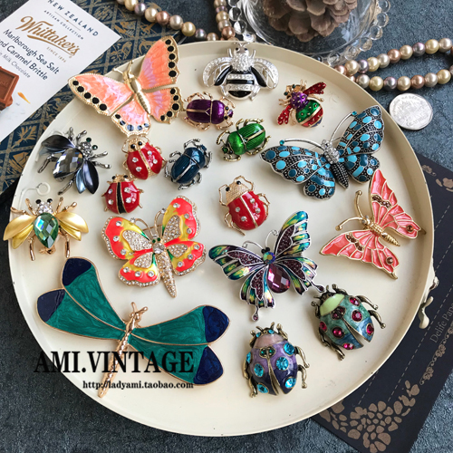 Insect control gift! Literary style metal glaze insect brooch retro butterfly bee beetle Dragonfly Brooch