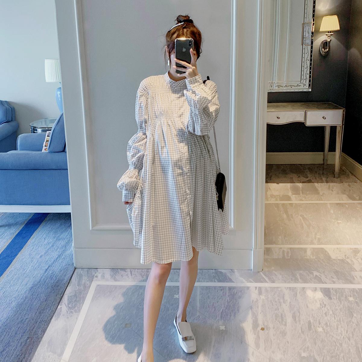 孕妇连衣裙喂奶秋季装2019新款时尚宽松韩版格子中长款哺乳衬衫裙