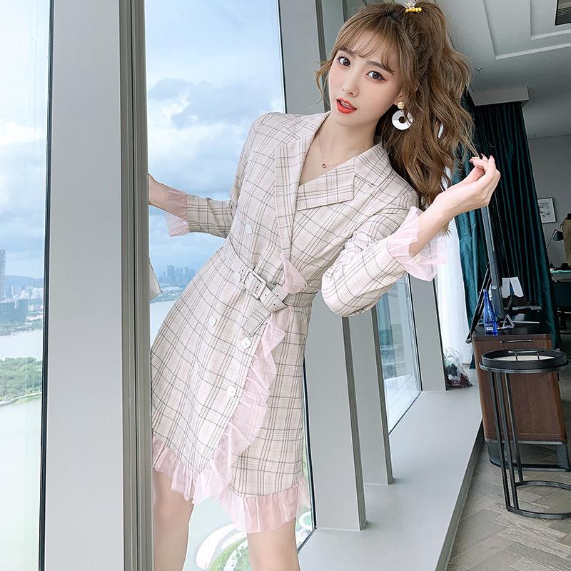 法式复古格纹裙子2020秋季新品西装领设计感收腰显瘦甜美连衣裙女