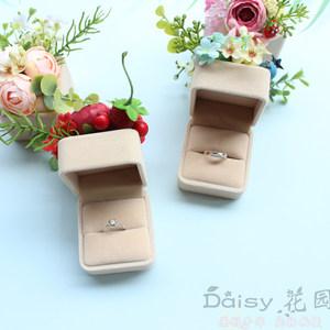 原创欧式结婚求婚戒指盒森系婚礼单戒对戒盒子仿真蝴蝶花朵高大上