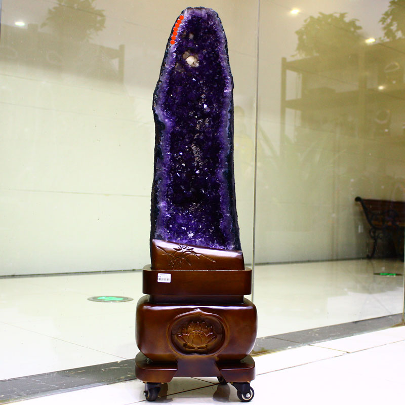 Natural amethyst cave ornament degaussing and purifying strange stone crystal cave fortune collection basin original stone Xuanguan Fengshui zhenzhai