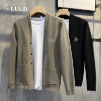 查看LUUD 开春B字刺绣雪尼尔开衫男韩版时尚简约针织毛衣衫休闲厚外套价格