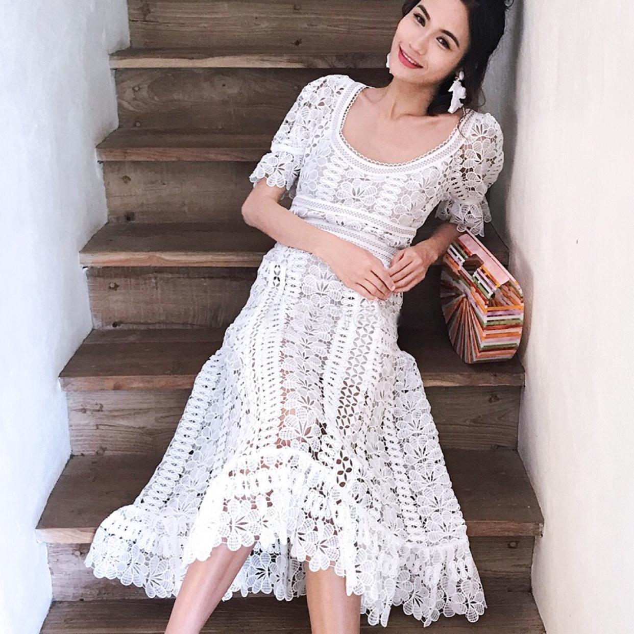 Self Portrait新款大圆领白色仙女裙蕾丝连衣裙长裙修身收腰显瘦