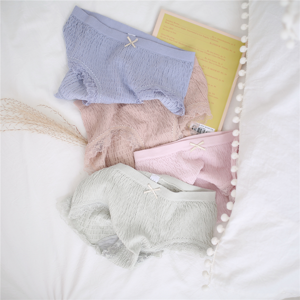 Chao elastic underwear womens briefs womens briefs waist pack buttocks solid color ins wind modal womens underwear wrinkles