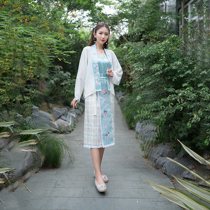Chinese womens ancient costume improved Tang style song system aircraft sleeve and shoulder strap one piece perforated rotating skirt suit