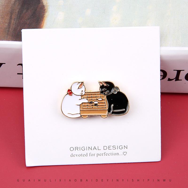 下棋猫咪胸针日系ins个性潮徽章卡通可爱胸花女衣服外套服装装饰