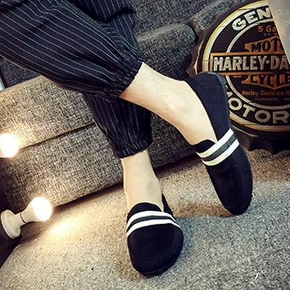 Korean mens fashion Doudou shoes versatile lazy shoes new Korean mens casual shoes with canvas shoes