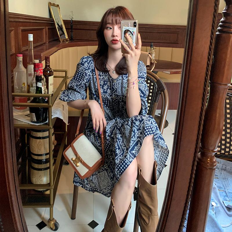 于momo【波普裙】气质佩斯利花纹连衣裙2020新款复古宽松显瘦小衫