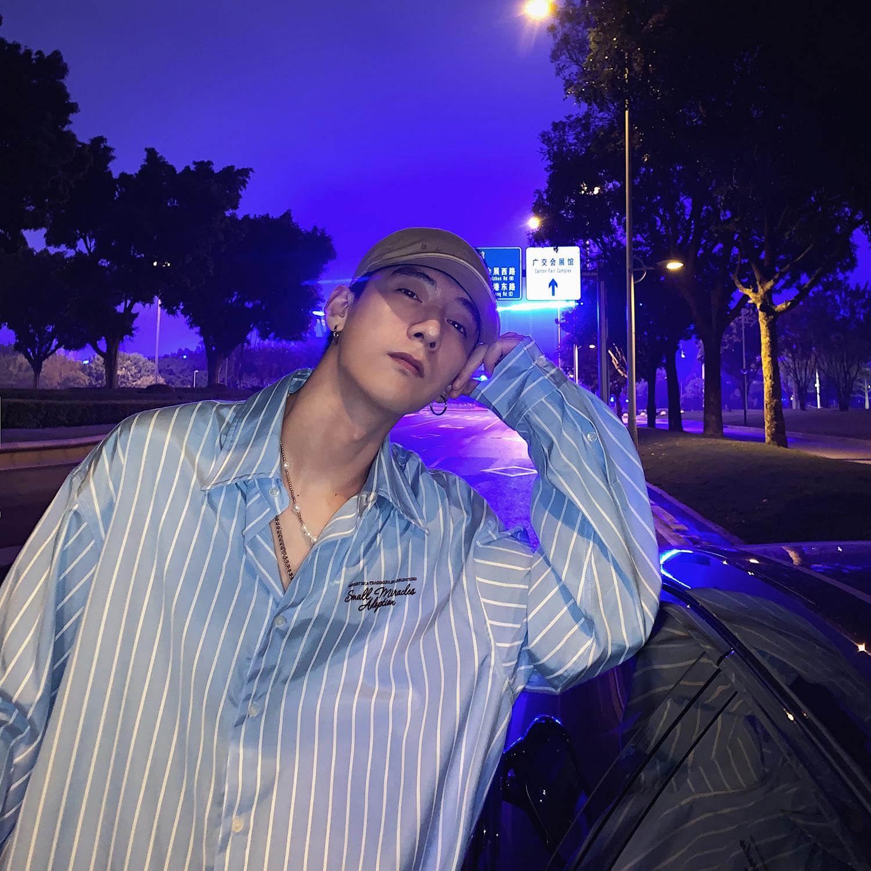 物空宋松 潮牌韩国男生条纹刺绣印花宽松长袖衬衫打底衬衣图片