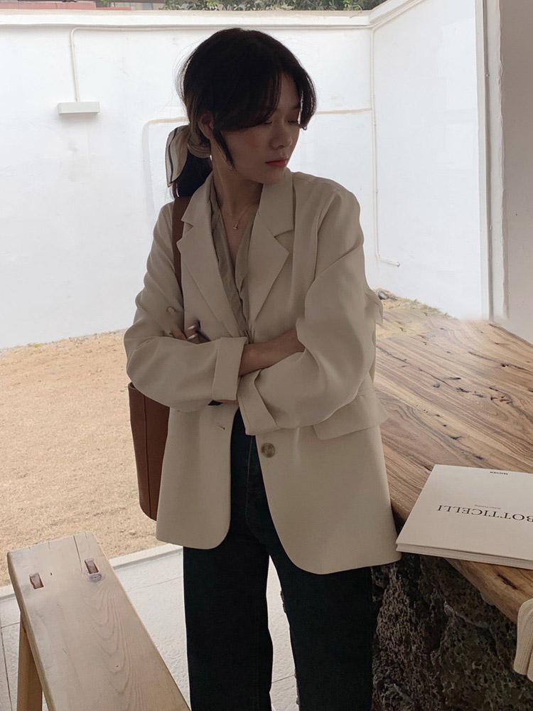 白色外套女春装2021新款韩版设计感质量如何