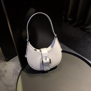 鳄鱼纹女2021新款手提新月斜挎小包