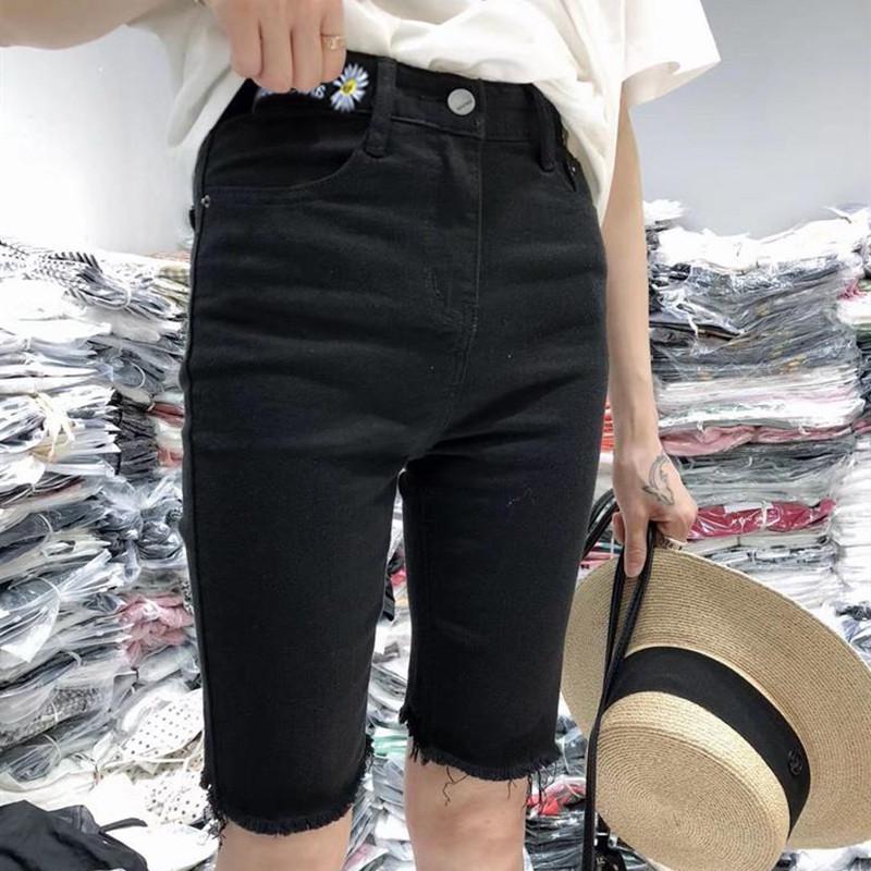 黑色牛仔裤女2020春夏季新款小雏菊刺绣短裤高腰五分显瘦中裤