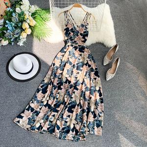 海边巴厘岛度假沙滩裙女神性感露背大摆裙收腰吊带连衣裙仙女长裙